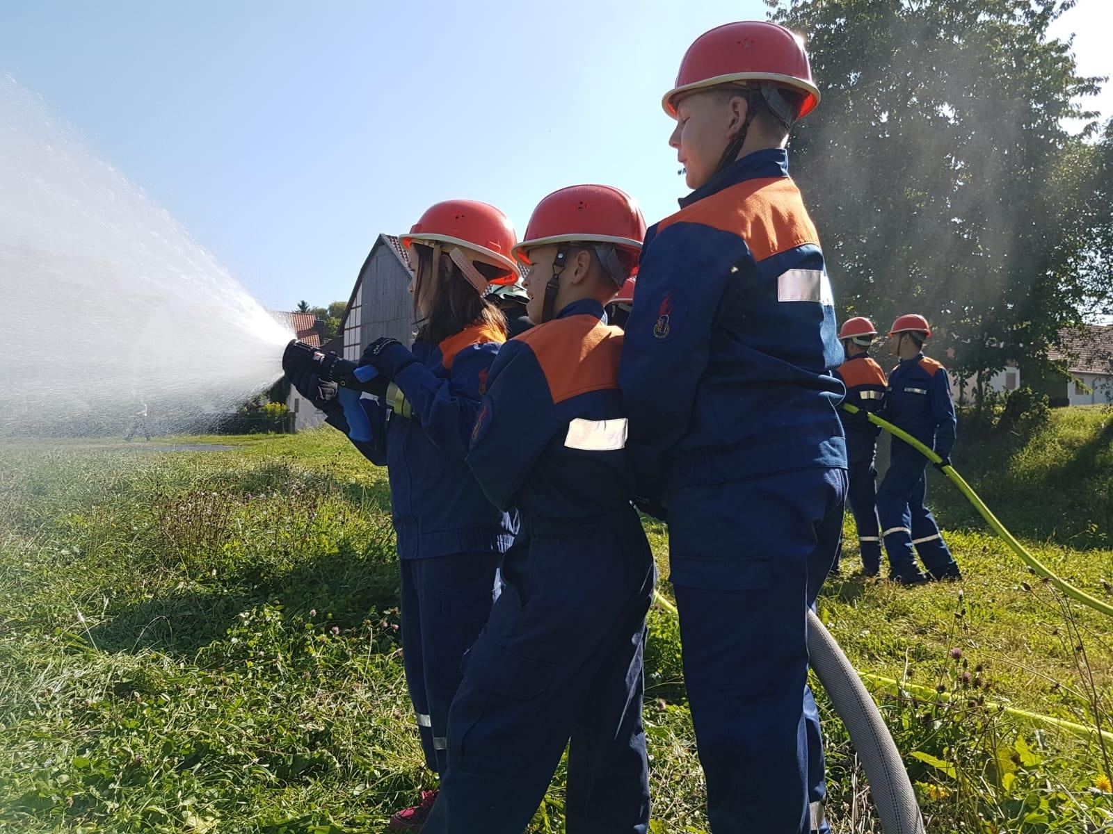 3019 08 30 Nachwuchstag bei der Feuerwehr Bild 4